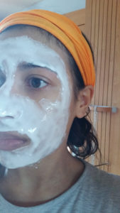 Application du masque au lait d'ânesse Perle de Vie