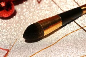Embout highlighter du pinceau présent dans la case 22 du calendrier de l'avent Look Fantastic
