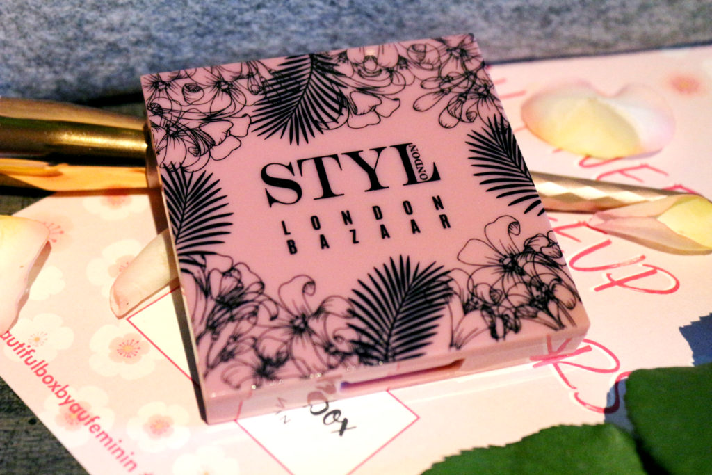 Palette de fards à paupières London Bazaar de la marque STYLondon dans la Beautiful Box by Aufeminin de novembre 2018