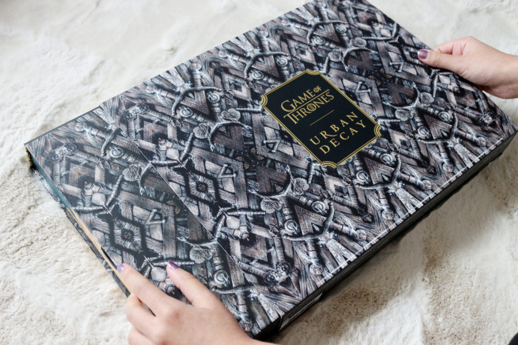 Le coffret de la collection Urban Decay et Game of Thrones sorti de son carton