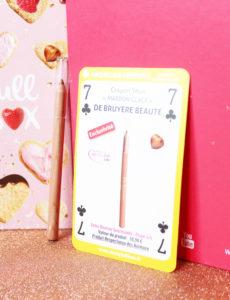 Crayon pour les yeux en teinte Marron Glacé de la marque De Bruyère dans la Biotyfull Box de février 2020