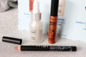 Routine maquillage dans le coffret hivernal Biotyfull Box