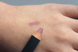 Swatch du jumbo pour les lèvres en teinte Rose Eblouissant de la marque Mat